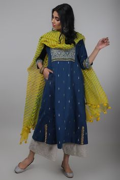 indian designer wear Description Fabric: Cotton Kota We brought back lehariya dupattas in bright and beautiful colours of spring. Made by a tie & dye technique in Rajasthan, the fa Set Fashion, Women's Fashion Dresses, Style Fashion, Fashion Trends, Womens Fashion, Pakistani Dress Design, Pakistani Dresses, Anarkali Dress, Lehenga