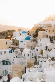 Beautiful World, Beautiful Places, Travel Aesthetic, Plan Your Trip, Luxury Travel, Maldives, Santorini, Travel Guides, Travel Photos