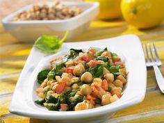Kichererbsen-Spinat-Salat mit Tomaten - smarter - Zeit: 1 Std. 30 Min. | eatsmarter.de