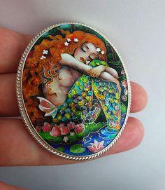 Sirena di sognatore. Spilla pendente. Perline in cloisonne, gioielli in argento sterling