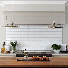 Open Plan Kitchen Dining Living, Barn Kitchen, Kitchen Wall Tiles, Living Room Kitchen, Kitchen Flooring, Grey Kitchen Designs, Modern Kitchen Design, Interior Design Kitchen, Bungalow
