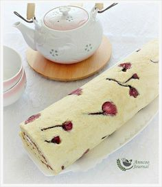 Anncoo Journal: Sakura Roll.  I would love to make this, it is so beautiful. but need to find the special ingredients.  Maybe Amazon. :)