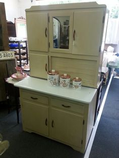 Perfect piece for that vintage kitchen. .. $225