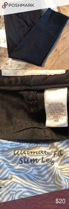 Chico's platinum denim ultimate fit slim leg jeans Chico's platinum denim black ultimate fit slim leg jean - ⭐️⭐️⭐️⭐️⭐️ Chico's Jeans