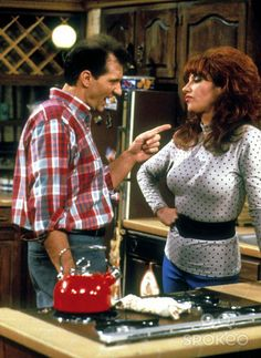 Al and Peggy Bundy - Married with Children - Um amor de família Peggy Bundy, Al Bundy, Katey Sagal, Married With Children, And Peggy, Comedy Tv, Vintage Tv, Classic Tv, Best Tv