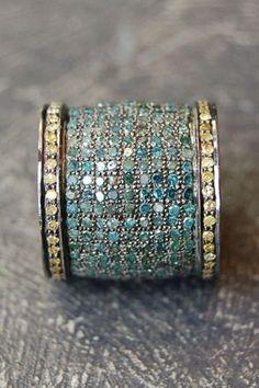 Large ring band, tiny stones