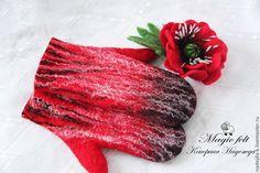 """Купить Варежки валяные """"Зимняя ягода"""" - ярко-красный, валяные варежки, теплые варежки"""