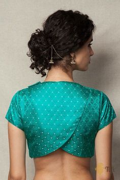 Green Handwoven Tanchoi Overlapped Blouse Beautiful and trendy Blouse style. Lengha Blouse Designs, Fancy Blouse Designs, Lehenga Blouse, Traditional Blouse Designs, Choli Designs, Blouse Back Neck Designs, Stylish Blouse Design, Designer Blouse Patterns, Jeans