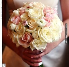 Roses and rununculus | VIA #WEDDINGPINS.NET