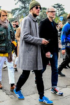men's fashion tips Daily Street Style, New York Street Style, Street Style Trends, Casual Street Style, Street Styles, Old Man Fashion, Mens Fashion, Fashion Outfits, Street Fashion