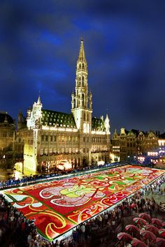 """#Brussels , Belgium - """"the flower carpet""""  I was in Brussels to early to see this but I hope to go back because it's really quite amazing!"""
