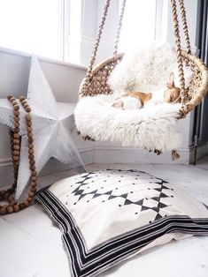 Bohemian Bedroom Decor Ideas - Find the best Bohemian Bedroom Designs. Find out ways to provide your room a boho touch. Bohemian Bedroom Decor, Boho Room, Bohemian Decorating, Decorating Ideas, Decor Ideas, Room Ideas, Luxury Duvet Covers, Stylish Bedroom, Piece A Vivre
