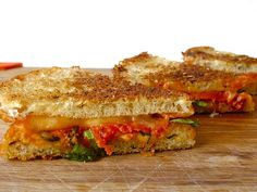 this yummy pizza rendition of grilled cheese is making my mouth water. 2 faves combined into one!