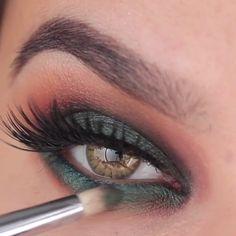 Incredible Simple eye make-up tutorials! Simple and spectacular eye make-up tutor. Beauty Make-up, Beauty Hacks, Beauty Tips, Beauty Care, Natural Beauty, Makeup Videos, Makeup Tips, Diy Makeup, Khol Eyeliner