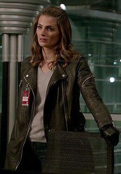 Kate's leather moto coat on Castle.  Outfit Details: https://wornontv.net/46013/ #Castle