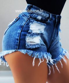 Shorts Empina Bumbum Leandra - Jean Shorts - Ideas of Jean Shorts - Nosso corpo até os 15 Jean Short Outfits, Girls Short Dresses, Dress For Short Women, Short Jeans, Cool Outfits, Summer Outfits, Fashion Outfits, Sexy Shorts, Denim Shorts