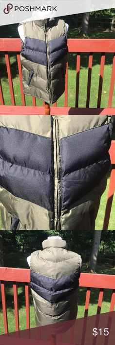 Men's Cambridge Classics Vest Like new! Warm and comfortable. Pockets on each side - any questions just ask! 😘 The Cambridge Satchel Company Jackets & Coats Vests