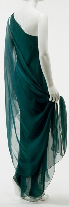 1970s halston, evening dresses, 1970s style, san francisco 1970's, exhibit dress
