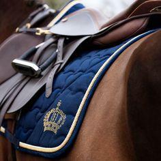 Horsealot fashion, 92478 followers. Découvrez toutes les tendances et modes équestres sur Horsealot Fashion ! Discover all the equestrian fashion and trends on Horsealot Fashion !
