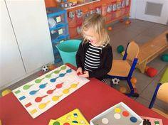 ballen en ballonnen peuters - Ecosia Kids Rugs, School, Home Decor, Decoration Home, Kid Friendly Rugs, Room Decor, Home Interior Design, Home Decoration, Nursery Rugs