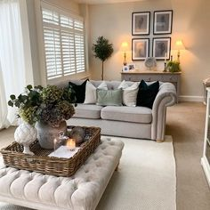 Cottage Living Rooms, Living Room Decor Cozy, New Living Room, Living Room Interior, Home And Living, Modern Living, Living Room Ottoman Ideas, Country Living Rooms, Small Living