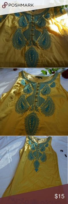 Beautiful Indian style dress This is such a beautiful and unique dress that is commonly seen in India. The dress is in excellent condition . Is large but fits as a small or medium Dresses