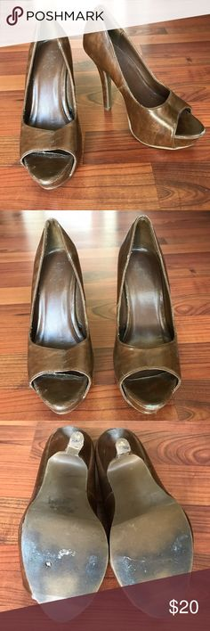 Brown peep toe heel Brown peep toe heel/pumps. Worn but good condition (a few spots with wear, see photos). Comfortable to wear, great with jeans or perfect for a dressy occasion. Shoes Heels