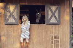Horse Barn Maternity Session