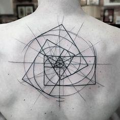 Deze schets-tattoo's zijn uniek door hun imperfecties | NSMBL.nl