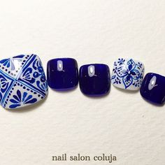 white with navy blue stamping polish using pueen lace stamping plate and maybe messy mansion stamping plate and navy blue Pedicure Designs, Manicure E Pedicure, Toe Nail Designs, Nail Polish Designs, Crazy Nails, Love Nails, Pretty Nails, Feet Nail Design, Mandala Nails