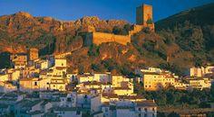 PUEBLO DE CARZORLA      Municipio perteneciente a la provincia de Jaén, Cazorla destaca sobre t...
