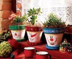Knit a Plant-Pots Cozy Christmas Craft Fair, Christmas Clay, Christmas Ornament Crafts, Simple Christmas, Holiday Crafts, Christmas Decorations Australian, Wooden Christmas Decorations, Christmas Plants, Silver Christmas Tree
