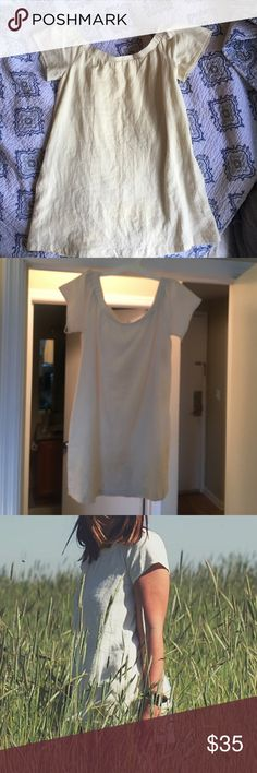 """🔴SALE 🔴 ASTR OFF WHITE DRESS Beautiful """"somewhat"""" off the shoulder dress from ASTR! I love this dress but unfortunately it is a bit short on me (I'm 5'4), I've only worn it once -- perfect condition! Off white color, the perfect dress for summer. Looks great with wedges/boots etc! ASTR Dresses Mini"""