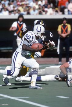 Joe Washington carries the ball against the Steelers, 1978