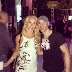 "Chris Daughtry στο Instagram: ""I love meeting good people! With @emilybett at #NerdHQ #sdcc2015 #sdcc #felicity #arrow #iknowimprettyawesome "" ////// fuck!  My favorite rock singer with my favorite actor!!!!!  love it"