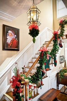 51 beautiful christmas staircase decoration ideas