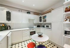 Second floor three bed flat available in extremely well run building; Chiltern Court #property #Marylebone #NW1