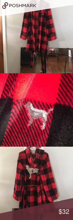 VS Pink Robe Excellent shape! Size M/L PINK Victoria's Secret Intimates & Sleepwear Robes