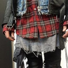 Mike Amiri details.. - Eye Blog About.....Nothin'