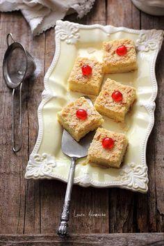 Prajitura cu crema de vanilie si ananas, reteta delicioasa pentru sarbatori. Mod de preparare prajitura cu crema de vanilie si ananas.