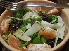 As Minhas Receitas: Salada de Rucula com Tangerina, Azeitonas e Parmesão