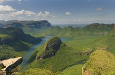 The Panorama Route is one of the most beautiful and popular travel destinations in South Africa. It leads through the rugged mountain range of the northern Drakensberg.