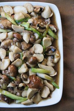 Mushroom stir-fry with brown sauce