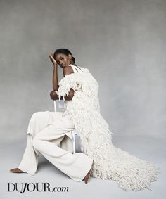 Shop Chic Shades of White - DuJour Runway Fashion, Mens Fashion, Fashion Trends, Barbie Mode, Shades Of White, Cool Street Fashion, Street Style Looks, Red Carpet Fashion, White Style
