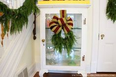 Decorating our Victorian home for Christmas... AND a step-by-step tutorial how to make that beautiful bow!
