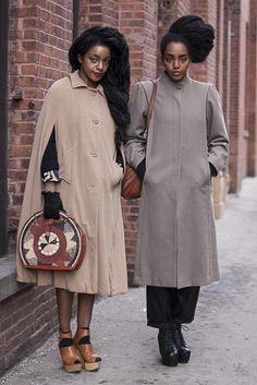 Les soeurs Cipriana at TK Quann, icônes de mode, via Urban Bush Babes. Quann Sisters, Black Girls, Black Women, Winter Mode, Inspiration Mode, Look Vintage, Look Cool, African Fashion, Couture