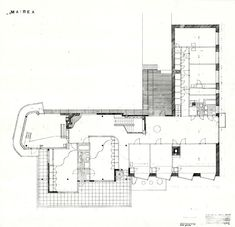 Villa Mairea 1938-39. Final upper-floor plan. With the changes, the plan of the upper floor improved, too. The studio is free-form, with a short flight of stairs now leading straight up from the living area. The parents' bedrooms are still in the same place, but the change in the position of the main stairs has divided the corridor into two hall-like rooms.