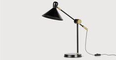 Ogilvy, une lampe de table, noir mat et laiton vintage | made.com