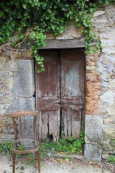 old doors - beautiful and rustic Entrance Doors, Doorway, Door Knockers, Door Knobs, Portal, Antique Doors, Vintage Doors, Cool Doors, Garden Doors