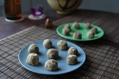 Mesquite and chocolate superfood balls/ mesquitovo-čokoládové superfood guľôčky